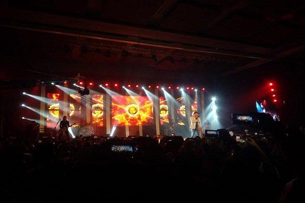 Grup band Padi Reborn saat pentas di Brand Concert SBBI-JBBI 2019 di De Tjolomaode, Colomadu, Karanganyar, Jawa Tengah, Jumat (3/5/2019). - Solopos.com/Septina Arifiani