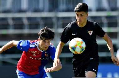 Diincar Madrid & Barcelona, Striker Sevilla Justru Ingin ke Almeria