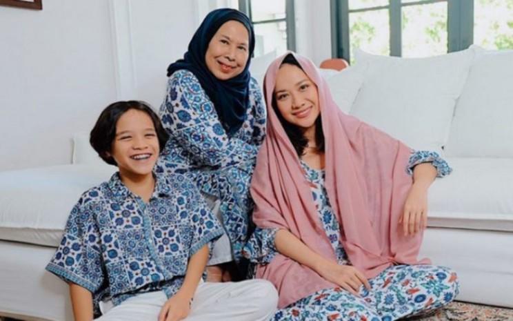 Bunga Citra Lestari (BCL) merayakan Idulfitri bersama anak dan keluarga. - Instagram