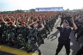 TNI-Polri Bantu Masyarakat Patuhi Protokol Kesehatan…