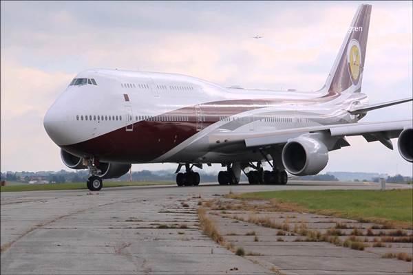 Ilustrasi pesawat Boeing 747/8