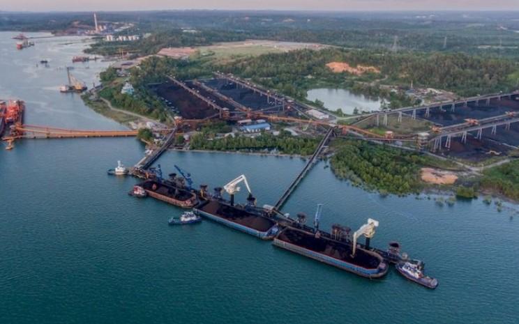 Terminal Batu Bara Balikpapan. Terminal yang dikelola oleh PT Bayan Resources Tbk. merupakan salah satu terminal curah terbesar di Indonesia. - bayan.com.sg