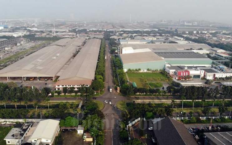 Foto areal kawasan industri MM2100 di Cikarang, Jawa Barat, Rabu (15/4/2020). Bisnis - Himawan L Nugraha