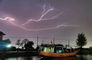 Cuaca Jakarta 3 Juni: Hujan dan Kilat Berpotensi Terjadi di Jaksel dan Jaktim