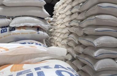 Bulog Salurkan Bantuan Beras Tahap II untuk KeluargaRentan Terdampak Covid-19 di Jabodetabek