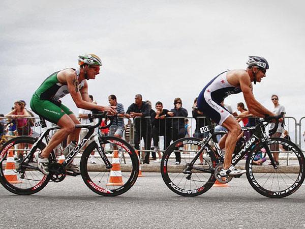 Bersepeda bermanfaat untuk kesehatan. - Istimewa
