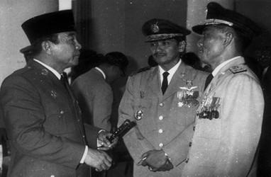 Bung Karno Jelaskan Mengapa Bangsa Indonesia Punya Bantal dan Guling