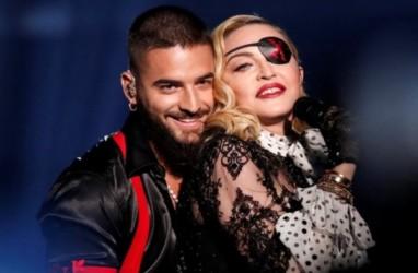 Cedera Lutut, Madonna Ikuti Unjuk Rasa George Floyd dengan Kruk