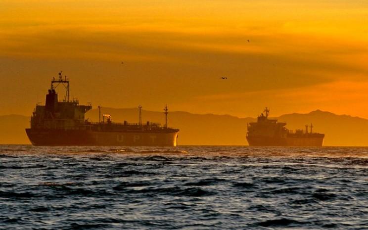 Tanker pengangkut minyak. - Bloomberg