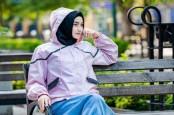 Fashion Outer Etnik Koleksi Wening Angga di Masa Pandemi