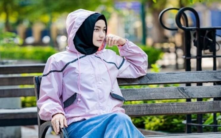 Fashion outer koleksi Wening Angga
