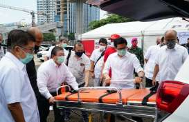 Toyota Donasikan Dua Unit Innova Ambulans untuk Kabupaten Karawang