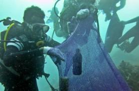 Begini Cara KKP Tangani Sampah Plastik di Laut