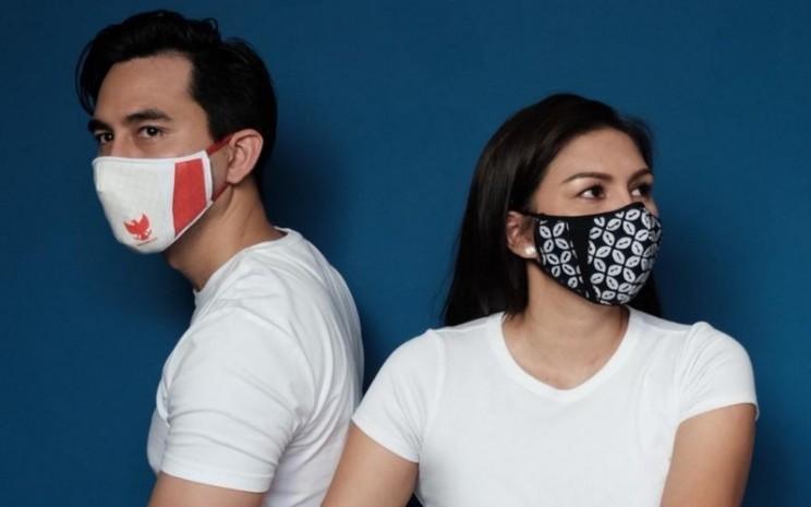 Masker kain karya Ferry Sunarto