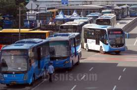 Penumpang Bus Transjakarta Naik Selama Masa PSBB Transisi