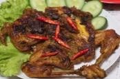 Masak Akhir Pekan, Ini Resep Ayam Bekakak Khas Sunda