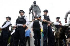 Demo Tolak Rasisme di London Ricuh, Polisi Tahan 100 Orang