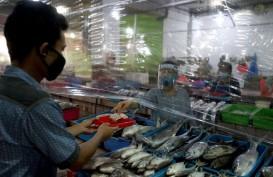 Pembayaran Transaksi di Pasar Kota Surabaya Pakai Nampan