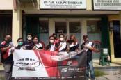 Komunitas Veloz Donasikan APD kepada IDI Bekasi