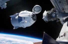 Astronot Misi Demo-2 SpaceX Bakal 'Spacewalk' Ganti Baterai ISS