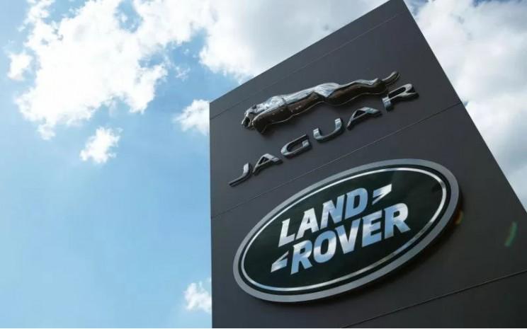 Jaguar Land Rover telah mengantisipasi bahwa akan ada 1.100 karyawan agen yang akan dipangkas.  - ANTARA/REUTERS