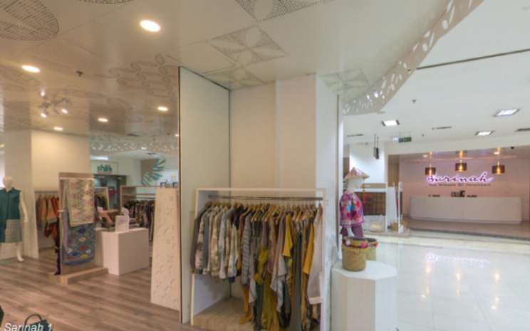 Di antara berbagai bidang usaha yang dirambah Sarinah, usaha ritel dan pusat perbelanjaan merupakan jantung operasi perusahaan. Sarinah dikenal sebagai kurator yang sukses menghimpun koleksi produk berkualitas dan memiliki ciri khas tersendiri. /Sarinah.