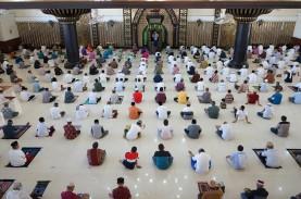 Salat Jumat: Masjid Sunda Kelapa Tak Terapkan Aturan…