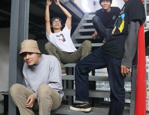 kelompok reggae / dub asal Bandung, Rub of Rub.