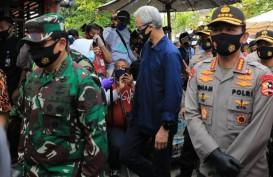 Kapolri dan Panglima TNI Cek Pasukan Penjaga Protokol Covid-19 di Semarang