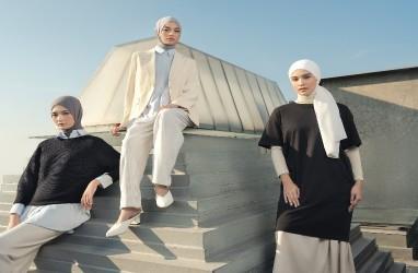 50 Inspirasi Gaya Berpakaian Hijab Kolaborasi Uniqlo Indonesia dan Ayudia