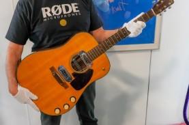 Ini Pembeli Gitar Akustik Kurt Cobain Seharga Rp85…