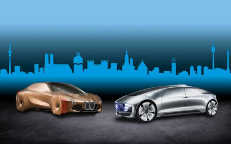 BMW Group dan Daimler AG meluncurkan kerja sama jangka panjang untuk teknologi mobil otonom pada Juli 2019.  - BMW