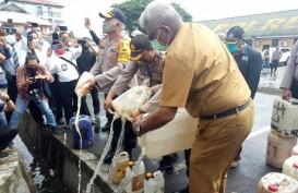 6.061 Liter Miras Ilegal Dimusnahkan, Pabriknya di Tengah Hutan Mimika