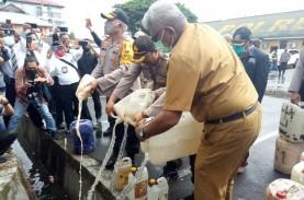 6.061 Liter Miras Ilegal Dimusnahkan, Pabriknya di…
