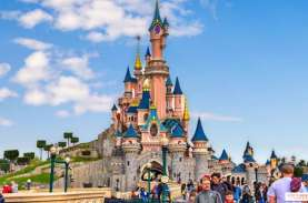 Disneyland Paris Akan Buka Kembali Secara Bertahap…