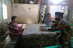 Guru SD Kulonprogo ini Rela Sambangi Rumah Siswa yang…