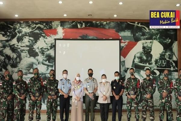 Bea Cukai Merauke Sosialisasikan Tupoksi ke Satuan Tugas Pengamanan Perbatasan RI-PNG