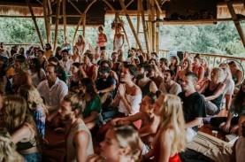 Bule Penyelenggara Yoga Massal di Ubud Saat Corona,…