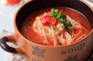 Resep Sup Seafood Pedas Enoki yang Menggoyang Lidah
