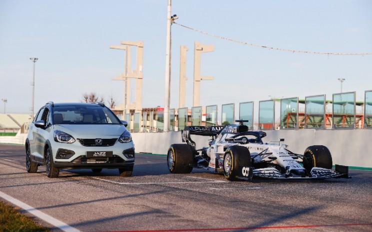 Pengalaman membangun mesin hibrida dengan efisiensi tinggi dan tenaga besar, telah menginspirasi Honda dalam merancang mesin e:HEV pada All New Honda Jazz. - HONDA