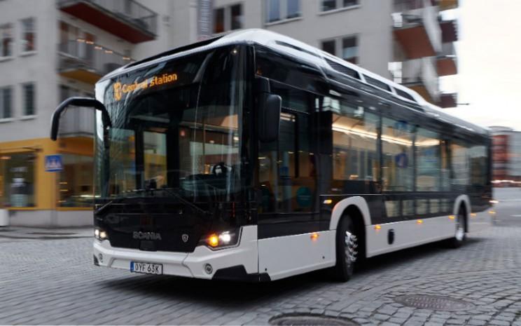 New Scania Citywide. Bus didesain untuk lebih banyak ruang, cahaya, dan kebersihan. Bus ini ditawarkan dengan pilihan sistem penggerak mesin 7 liter dan 9 liter, dan motor listrik. - SCANIA