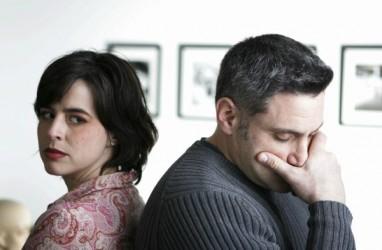 Ini Yang Harus Anda Lakukan Jika Suami Tidak Terbuka Masalah Finansial