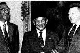 HISTORIA BISNIS: Indonesia-IMF Sepakati Bank Tak Cukup…