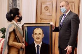 Dubes RI di Sofia Terima Penghargaan dari Presiden…