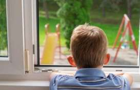 Mengatasi Rasa Kesepian Pada Anak Saat Harus di Rumah Aja