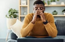 Kenali Tanda-Tanda Pria Stres setelah Istri Melahirkan