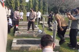 Jelang HUT Bhayangkara ke-74, Kapolri Ziarah ke TMP…