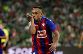 Gelandang Veteran Chile Orellana Tinggalkan Eibar ke Valladolid