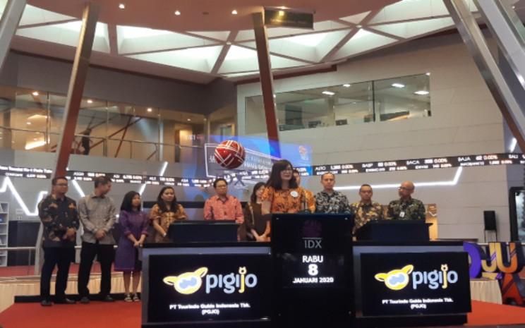 CEO Tourindo Guide Indonesia Claudia Ingkiriwang ketika memberikan sambutan pada Pencatatan Perdana Saham perseroan di Bursa Efek Jakarta, Rabu (8/1/2020). - Bisnis - Annisa S. Rini