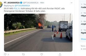 Mobil Terbakar di Tol Kalimalang Km 48, Arah ke Rorotan…